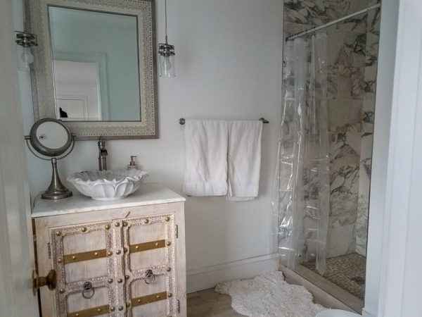 Single King Room with Private Bath (Room 7)